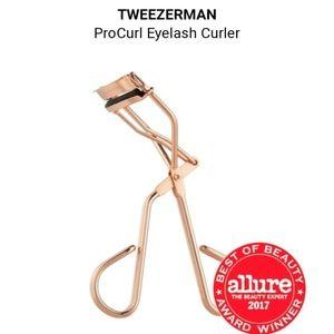 [NWOT] Tweezerman Rose gold Eyelash Curler